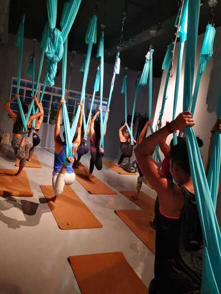 Affordable Aerial yoga class in Singapore